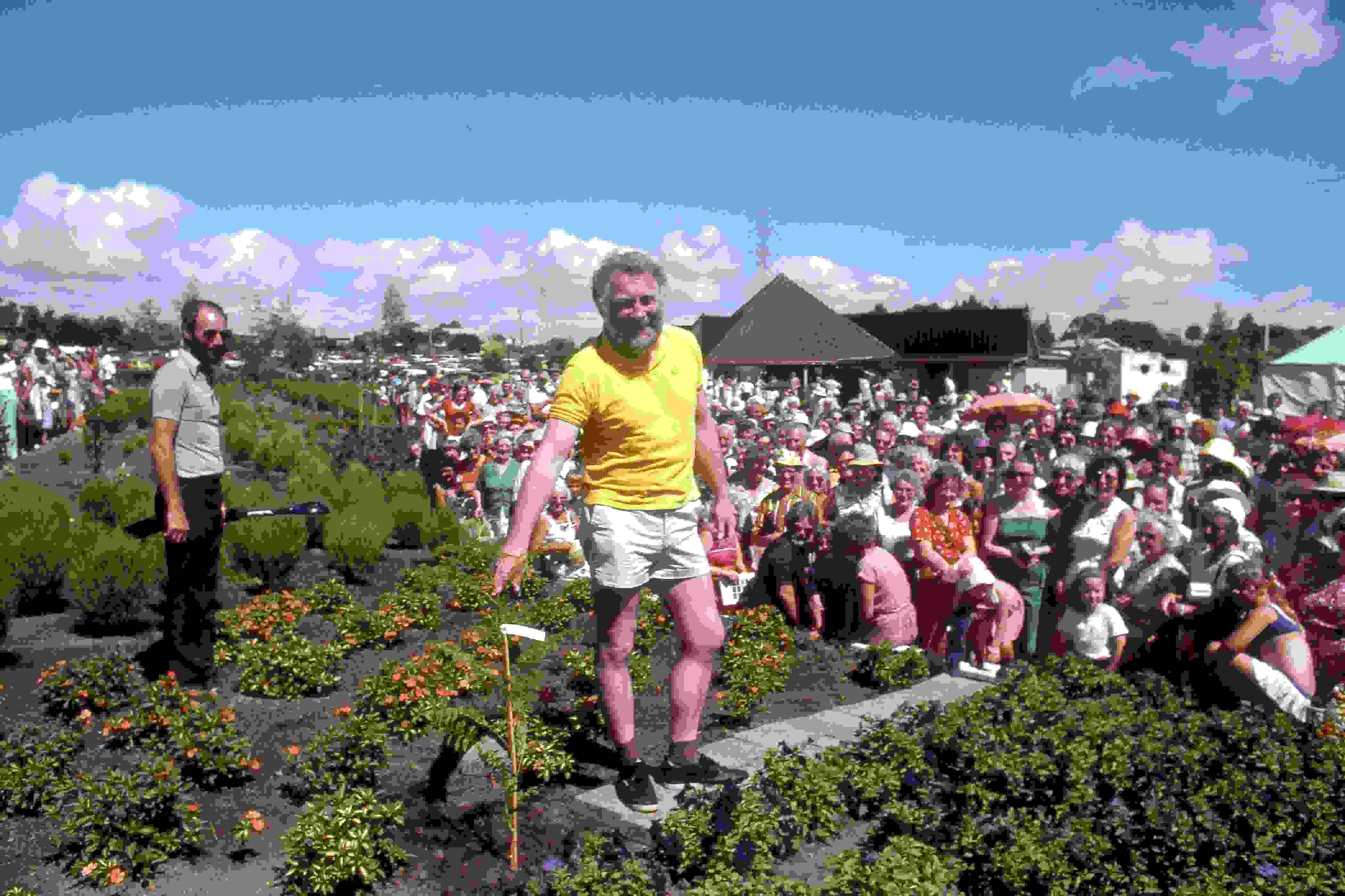 1982. David Bellamy at the opening of the Gardens.